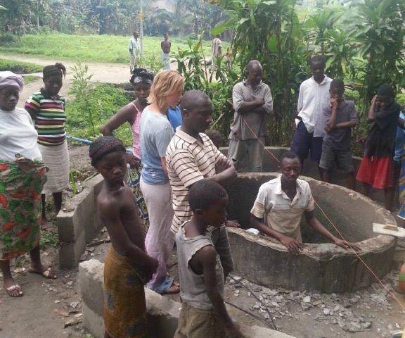 rent vann i ny brønn på Bonthe