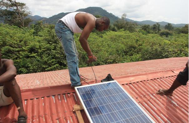 Osman monterer solcellpanel for SLCBO